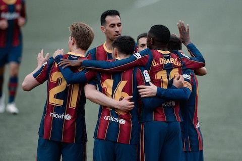 Article image: https://image-service.onefootball.com/crop/face?h=810&image=https%3A%2F%2Fbarcauniversal.com%2Fwp-content%2Fuploads%2F2021%2F02%2Ffbl-esp-liga-sevilla-barcelona-2-1-scaled.jpg&q=25&w=1080