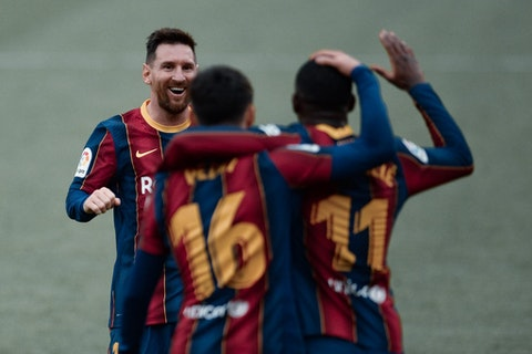 Article image: https://image-service.onefootball.com/resize?fit=max&h=775&image=https%3A%2F%2Fbarcauniversal.com%2Fwp-content%2Fuploads%2F2021%2F02%2Ffbl-esp-liga-sevilla-barcelona-3-2048x1468.jpg&q=25&w=1080