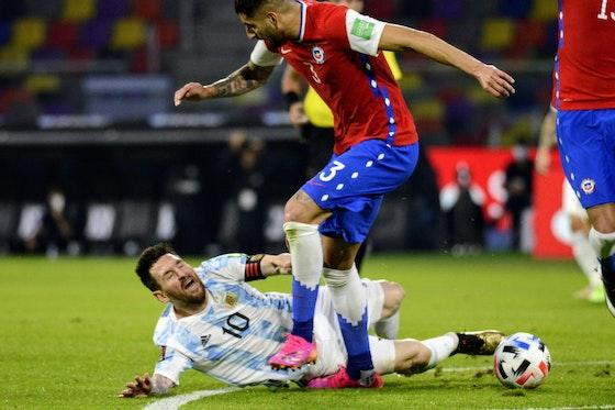 Article image: https://image-service.onefootball.com/crop/face?h=810&image=https%3A%2F%2Fbarcauniversal.com%2Fwp-content%2Fuploads%2F2021%2F06%2F1002990820-2048x1489-1.jpg&q=25&w=1080
