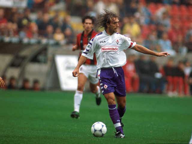 Em 1998, tripletta de Gabriel Batistuta num Milan-Fiorentina deixou o San Siro em silêncio