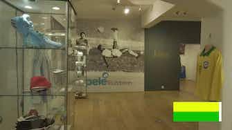 Vorschaubild für Pele organisiert Auktion für den guten Zweck