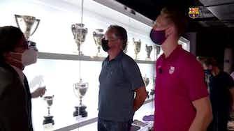 Anteprima immagine per Barcellona, Luuk de Jong si gode trofei e... caffè!