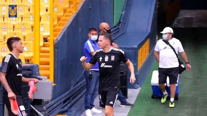 Leo Fernández hace de goleador en el entrenamiento de Tigres