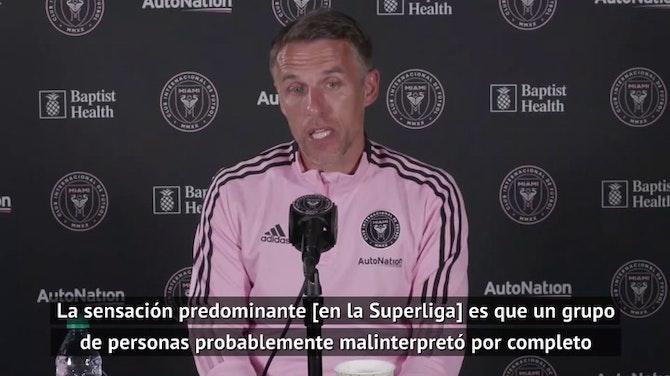 Phil Neville, orgulloso de la postura de su hermano Gary contra la Superliga
