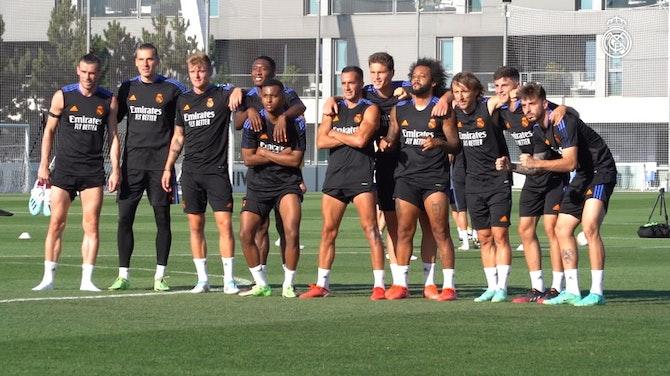Preview image for Toni Kroos, Luka Modrić, Gareth Bale and Raphaël Varane, back to training with Real Madrid