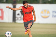 Thiago Maia é o único jogador do Flamengo a não ter contraído Covid-19