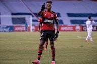 Pega lá, goleirão! Bruno Henrique faz golaço na Libertadores e leva rubro-negros ao delírio