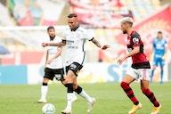 Em momentos opostos, Corinthians e Flamengo se enfrentam neste domingo pelo Brasileirão