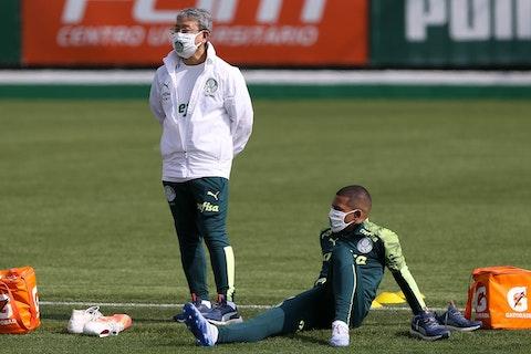 Lucas Esteves Sofre Lesao Na Coxa E Desfalca Palmeiras Por Ate Seis Semanas Onefootball