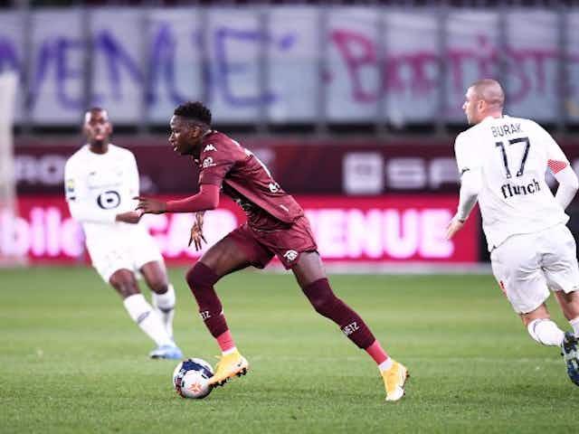 Manchester United consider transfer swoop for Ligue 1 wonderkid