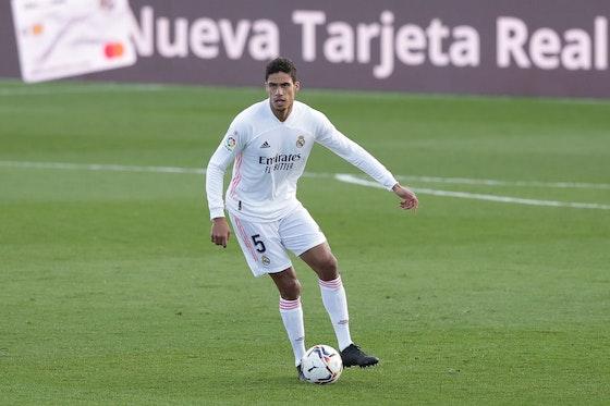 Article image: https://image-service.onefootball.com/crop/face?h=810&image=https%3A%2F%2Ficdn.football-espana.net%2Fwp-content%2Fuploads%2F2021%2F02%2FRaphael-Varane.jpg&q=25&w=1080