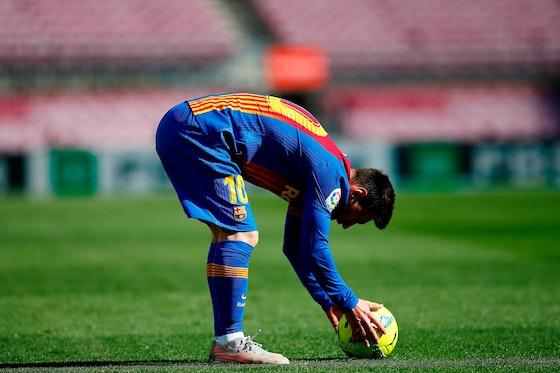 Article image: https://image-service.onefootball.com/crop/face?h=810&image=https%3A%2F%2Ficdn.football-espana.net%2Fwp-content%2Fuploads%2F2021%2F05%2FBarcelona-v-Atletico-Madrid2.jpg&q=25&w=1080