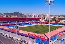 Article image: https://image-service.onefootball.com/crop/face?h=810&image=https%3A%2F%2Ficdn.football-espana.net%2Fwp-content%2Fuploads%2F2021%2F07%2FEstadi-Johan-Cruyff.jpg&q=25&w=1080