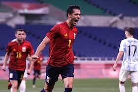 Article image: https://image-service.onefootball.com/crop/face?h=810&image=https%3A%2F%2Ficdn.football-espana.net%2Fwp-content%2Fuploads%2F2021%2F07%2FLa-Roja2-4.jpg&q=25&w=1080