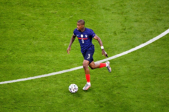 Article image: https://image-service.onefootball.com/crop/face?h=810&image=https%3A%2F%2Ficdn.psgtalk.com%2Fwp-content%2Fuploads%2F2021%2F06%2Fpresnel-kimpembe-france-v-germany-euros-2021-2.jpg&q=25&w=1080