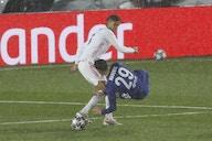 Manchester United preparing £40m Raphael Varane bid – report
