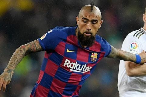 done deal inter milan land barcelona midfielder arturo vidal for cut price fee onefootball done deal inter milan land barcelona