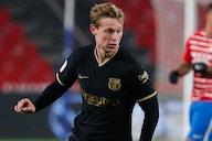 Barcelona midfielder De Jong delighted Koeman staying on