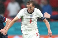 Man Utd fullback Shaw defends England skipper Kane
