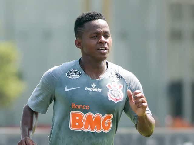 Corinthians libera, e Cazares fica livre para acertar com o Fluminense