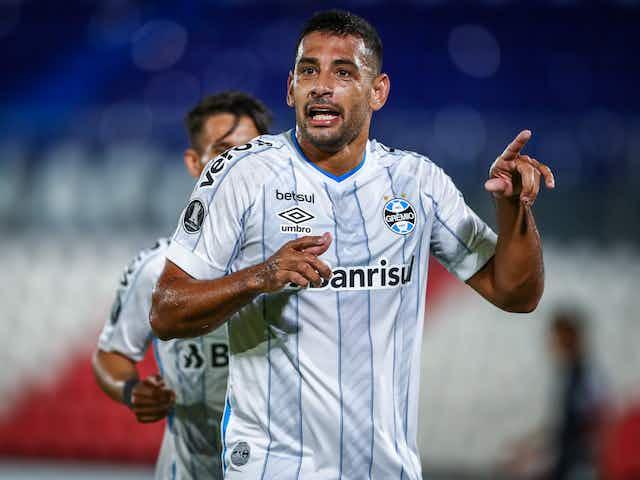 "Diego Souza analisa derrota do Grêmio: ""Saímos vivos"""