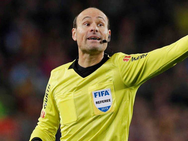 Definido o árbitro que apitará El Clásico entre Real Madrid e Barcelona