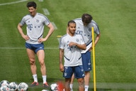 Thiago Alcantara: Robert Lewandowski asks after Liverpool boss Jurgen Klopp