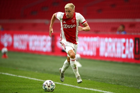 Report Donny Van De Beek To Snub Barcelona For Manchester United Onefootball