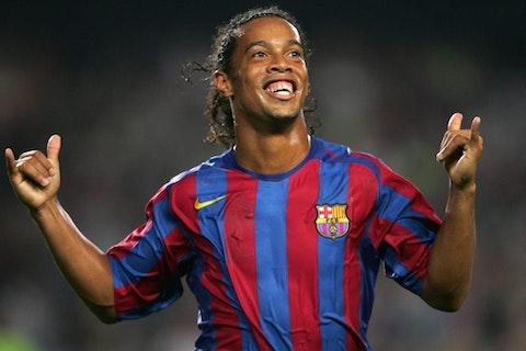 It S 16 Years Since Barcelona Signed Ronaldinho Onefootball