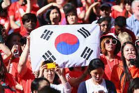 Article image: https://image-service.onefootball.com/crop/face?h=810&image=https%3A%2F%2Fwp-images.onefootball.com%2Fwp-content%2Fuploads%2Fsites%2F10%2F2020%2F05%2FOlympics-Day-5-Mens-Football-Korea-Republic-v-Gabon-1589125506-1000x667.jpg&q=25&w=1080