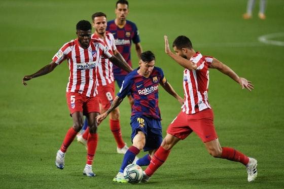 Article image: https://image-service.onefootball.com/crop/face?h=810&image=https%3A%2F%2Fwp-images.onefootball.com%2Fwp-content%2Fuploads%2Fsites%2F10%2F2020%2F11%2FFC-Barcelona-v-Club-Atletico-de-Madrid-La-Liga-1605984453-1000x667.jpg&q=25&w=1080