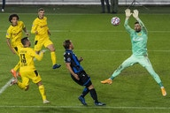 Report: Borussia Dortmund will listen to offers for Roman Bürki