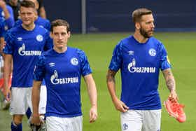 Artikelbild: https://image-service.onefootball.com/resize?fit=max&h=810&image=https%3A%2F%2Fwp-images.onefootball.com%2Fwp-content%2Fuploads%2Fsites%2F11%2F2019%2F07%2FFC-Schalke-04-Team-Presentation-1564517988.jpg&q=25&w=1080