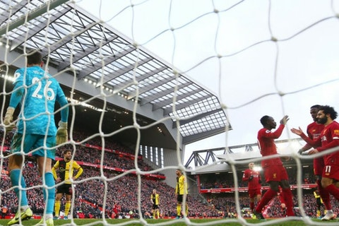 Artikelbild: https://image-service.onefootball.com/crop/face?h=810&image=https%3A%2F%2Fwp-images.onefootball.com%2Fwp-content%2Fuploads%2Fsites%2F11%2F2019%2F12%2FLiverpool-FC-v-Watford-FC-Premier-League-1576534856-1000x750.jpg&q=25&w=1080