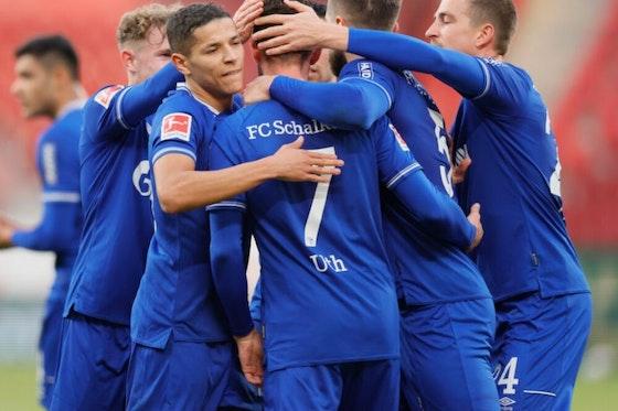 Artikelbild: https://image-service.onefootball.com/crop/face?h=810&image=https%3A%2F%2Fwp-images.onefootball.com%2Fwp-content%2Fuploads%2Fsites%2F11%2F2020%2F12%2F1.-FSV-Mainz-05-v-FC-Schalke-04-Bundesliga-1607703904-1000x750.jpg&q=25&w=1080