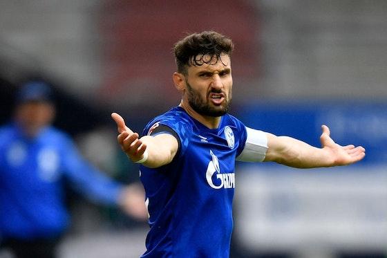 Artikelbild: https://image-service.onefootball.com/resize?fit=max&h=757&image=https%3A%2F%2Fwp-images.onefootball.com%2Fwp-content%2Fuploads%2Fsites%2F11%2F2020%2F12%2FFC-Schalke-04-v-FC-Augsburg-Bundesliga-1607702680.jpg&q=25&w=1080