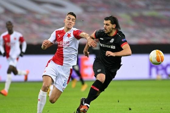 Artikelbild: https://image-service.onefootball.com/crop/face?h=810&image=https%3A%2F%2Fwp-images.onefootball.com%2Fwp-content%2Fuploads%2Fsites%2F11%2F2021%2F02%2FBayer-04-Leverkusen-v-Slavia-Praha-Group-C-UEFA-Europa-League-1612168342-1000x750.jpg&q=25&w=1080