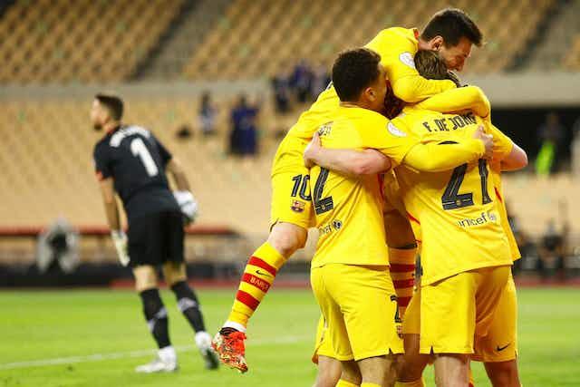 🎥 Así celebró el Barça el primer trofeo de la 'era Koeman'