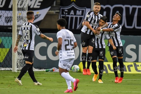 Imagem do artigo: https://image-service.onefootball.com/resize?fit=max&h=721&image=https%3A%2F%2Fwp-images.onefootball.com%2Fwp-content%2Fuploads%2Fsites%2F13%2F2021%2F02%2F2020-Brasileirao-Series-A-Atletico-Mineiro-v-Botafogo-Play-Behind-Closed-Doors-Amidst-the-Coronavirus-COVID-19-Pandemic-1614442189.jpg&q=25&w=1080