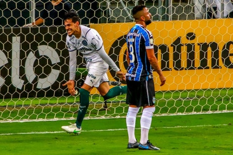 Imagem do artigo: https://image-service.onefootball.com/crop/face?h=810&image=https%3A%2F%2Fwp-images.onefootball.com%2Fwp-content%2Fuploads%2Fsites%2F13%2F2021%2F03%2F2020-Copa-do-Brasil-Final-Gremio-v-Palmeiras-Play-Behind-Closed-Doors-Amidst-the-Coronavirus-COVID-19-Pandemic-1614559514-1000x681.jpg&q=25&w=1080