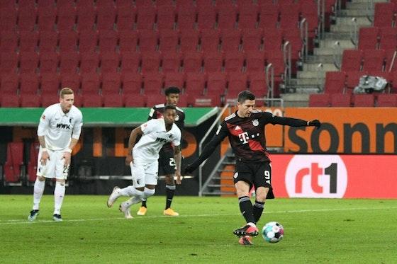 Image de l'article : https://image-service.onefootball.com/crop/face?h=810&image=https%3A%2F%2Fwp-images.onefootball.com%2Fwp-content%2Fuploads%2Fsites%2F23%2F2021%2F01%2FFC-Augsburg-v-FC-Bayern-Muenchen-Bundesliga-1611176581-1000x667.jpg&q=25&w=1080