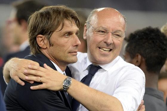 Immagine dell'articolo: https://image-service.onefootball.com/crop/face?h=810&image=https%3A%2F%2Fwp-images.onefootball.com%2Fwp-content%2Fuploads%2Fsites%2F24%2F2020%2F08%2FSS-Lazio-v-FC-Juventus-TIM-Supercup-1596355347-1000x750.jpg&q=25&w=1080