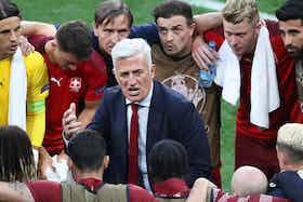 Artikelbild: https://image-service.onefootball.com/crop/face?h=810&image=https%3A%2F%2Fwww.4-4-2.com%2Fwp-content%2Fuploads%2F2021%2F07%2FPetkovic-Nati-1000.jpg&q=25&w=1080