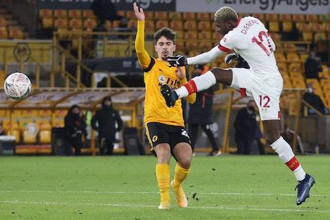 Article image: https://image-service.onefootball.com/crop/face?h=810&image=https%3A%2F%2Fwww.footballfancast.com%2Fwp-content%2Fuploads%2F2021%2F02%2FWolves-Premier-League-Vitinha-Daniel-Podence-Old-Gold-Molineux-Newcastle-Nuno-Santo-e1614336726895.jpg&q=25&w=1080