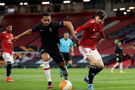 Article image: https://image-service.onefootball.com/crop/face?h=810&image=https%3A%2F%2Fwww.footballfancast.com%2Fwp-content%2Fuploads%2F2021%2F04%2FGranadas-Yangel-Herrera-in-Europa-League-Quarter-Final-action-with-Manchester-Uniteds-Victor-Lindelof.jpeg&q=25&w=1080