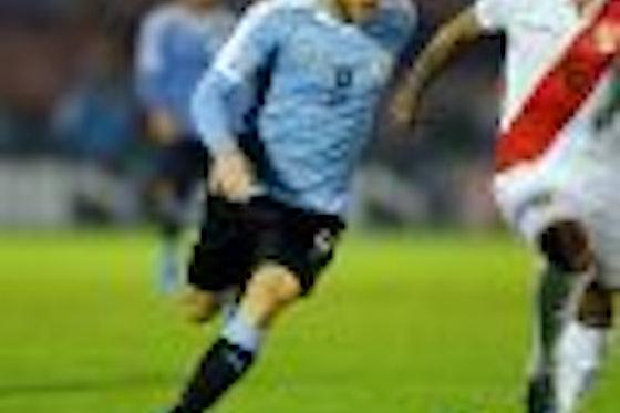 Article image: https://image-service.onefootball.com/resize?fit=max&h=1080&image=https%3A%2F%2Fwww.footballfancast.com%2Fwp-content%2Fuploads%2F2021%2F05%2Furuguay-midfielder-nahitan-nandez-in-action-against-peru-friendly-west-ham-transfer-target-rumours-e1621326238253-100x100.jpg&q=25&w=1080