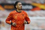 Everton submit bid to sign Roma's Chris Smalling