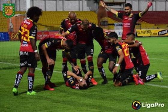 Imagen del artículo: https://image-service.onefootball.com/crop/face?h=810&image=https%3A%2F%2Fwww.futbolete.com%2Fwp-content%2Fuploads%2F2020%2F10%2FU.-Catolica-vs-Deportivo-Cuenca-en-vivo.jpg&q=25&w=1080